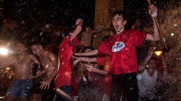 Aficionados del Mallorca celebran el ascenso a primera división