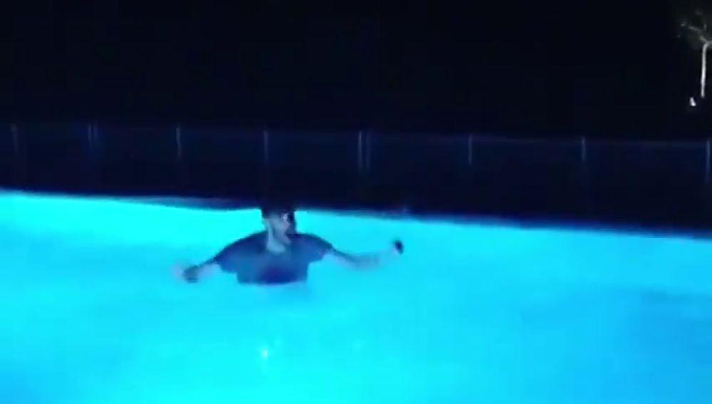 La celebración de Rudy tras el ascenso del Mallorca: ¡acabó en la piscina!