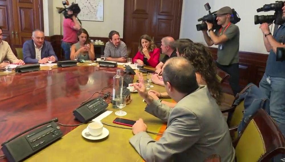 """Pablo Iglesias: """"Pregunten a Pedro Sánchez si está trabajándose la investidura con PP y Cs"""""""