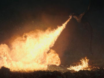 Fotograma de 'La Larga Noche' de 'Juego de Tronos'