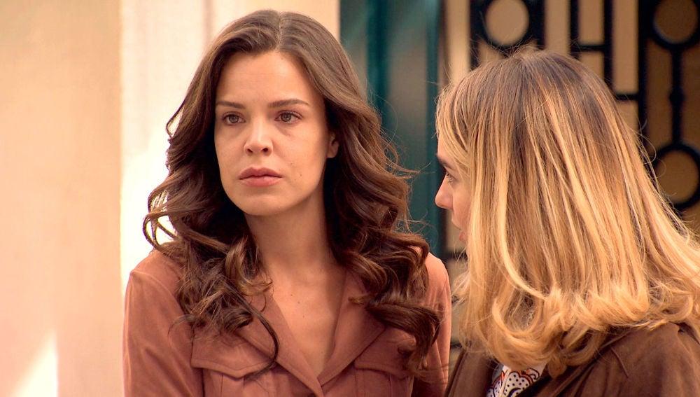 María sufre un ataque de ansiedad al reencontrarse con Ignacio