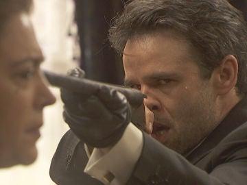 Carmelo siembra el pánico en La Casona disparando a Francisca