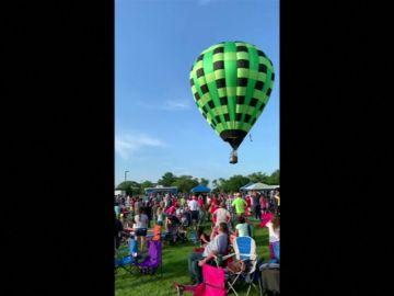 Un globo aerostático se estrella contra los espectadores en un festival de Missouri