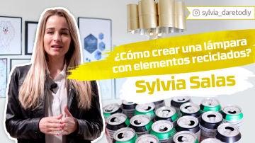 Sylvia Salas nos enseña cómo crear una lámpara con elementos reciclados