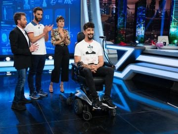 Marrón trae a 'El Hormiguero 3.0' la maravillosa silla de ruedas que se desplaza con movimientos de la cara