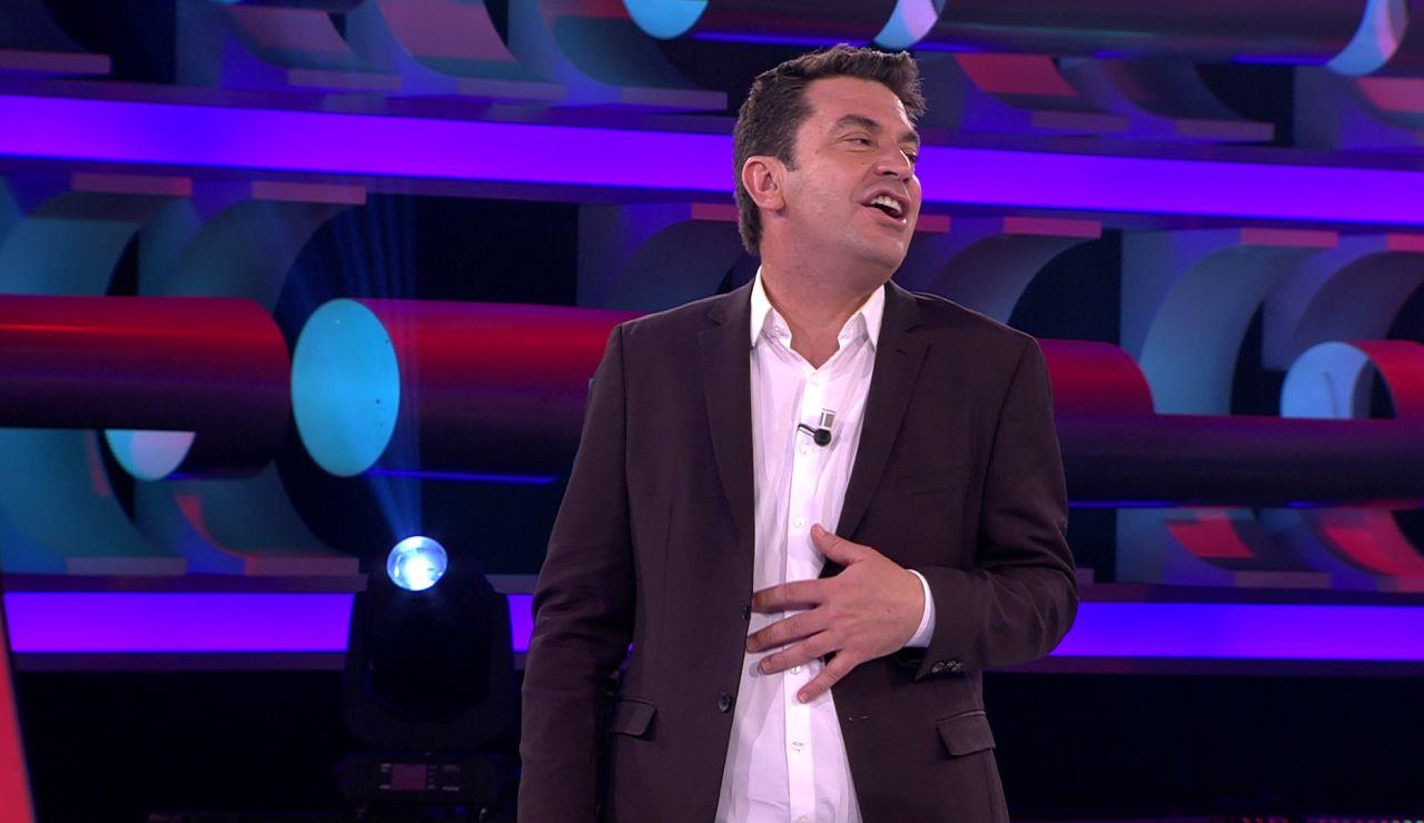 Arturo Valls intenta imitar a Rocío Jurado en '¡Ahora caigo!'... y le sale Julio Iglesias