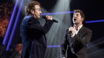 David Bisbal e Ignacio Encinas cantan 'El ruido' en la Gran Final de 'La Voz Senior'