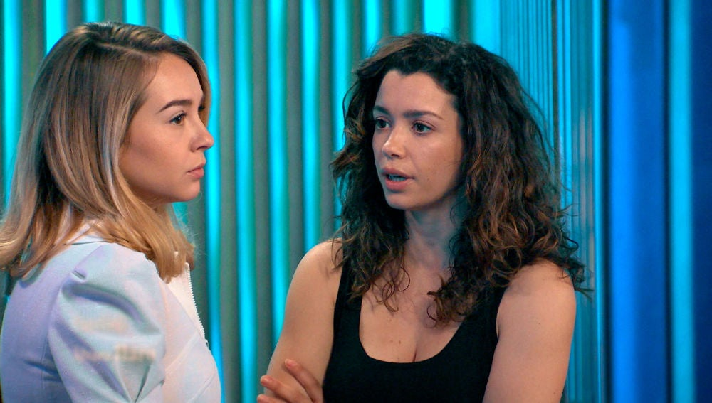 El espectáculo absorbe a Amelia para celos de Luisita
