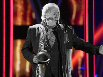Juan Mena canta 'Toda una vida' en la Gran Final de 'La Voz Senior'