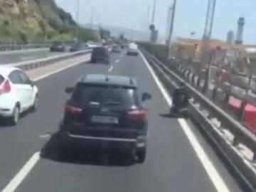 Infracción vial en la Ronda Litoral de Barcelona.