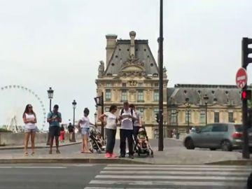 París prohíbe circular a un tercio de los vehículos por la contaminación