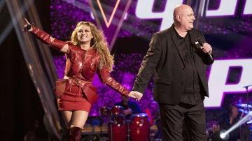 Actuación de Paulina Rubio en la gran final de 'La Voz Senior' junto a Xavi Garriga