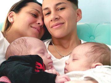 Lorena García madre de mellizos