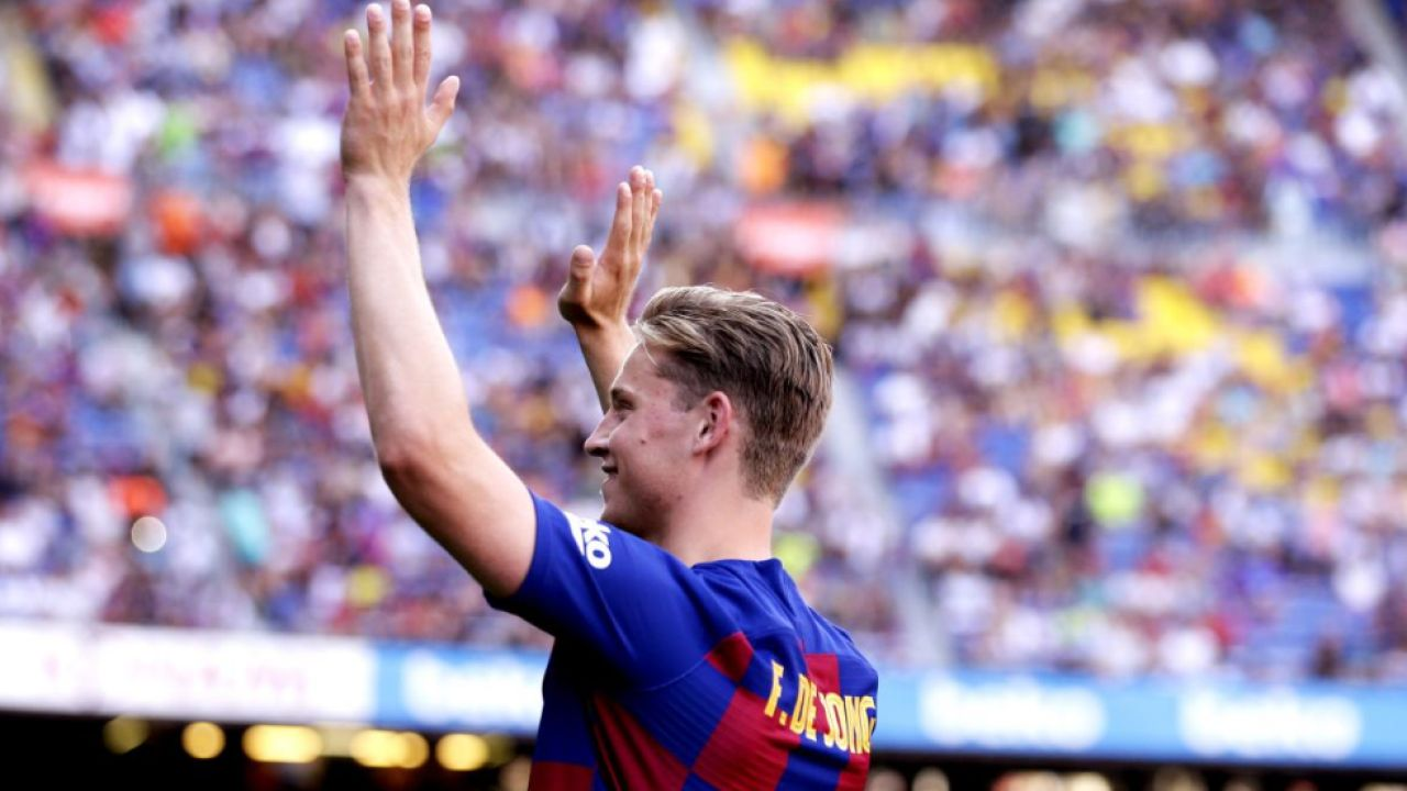 De Jong Se Presenta En El Camp Nou Ante Casi 20.000