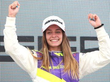 Marta García hace historia ganando su primera carrera en la Fórmula 1 femenina