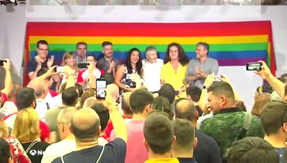 El ministro Marlaska defiende los derechos del colectivo LGTBI al ritmo de 'I will survive'