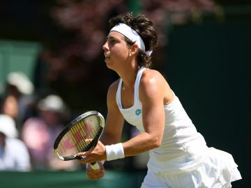 Carla Suárez durante un partido en Wimbledon