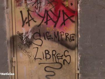 Vecinos de Argüelles intentan echar a los okupas contratando una empres