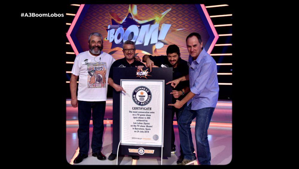 'Los Lobos' se muestran orgullosos de su Record Guinness
