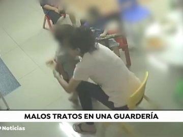 Las indignantes imágenes del brutal maltrato a unos niños en una guardería de Israel