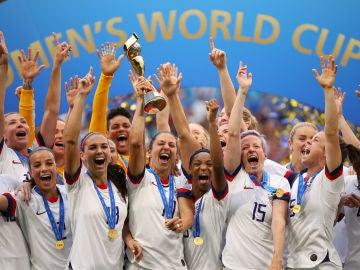 Las jugadoras de la selección de EEUU celebrando el campeonato del mundo