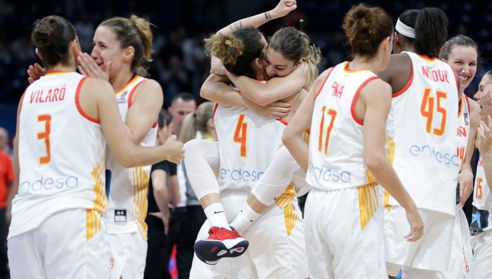 La Selección Española de Baloncesto Femenino a la final