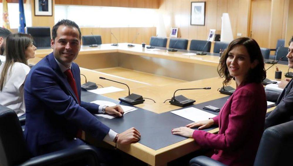 Ignacio Aguado e Isabel Díaz Ayuso durante una reunión