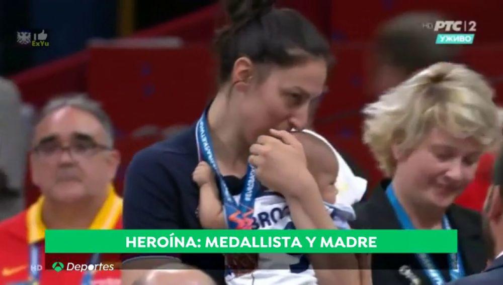 Historia de una heroína: medallista y madre a la vez