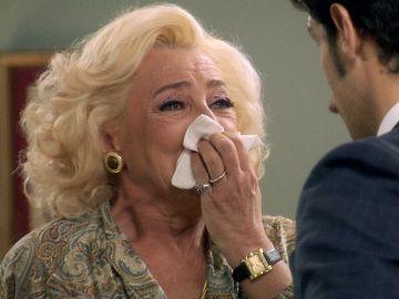 Carlos da por rota la relación con Ascensión y la advierte de que también perderá a Mónica
