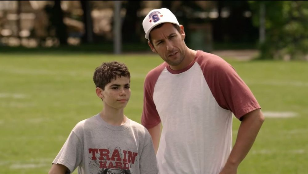 Cameron Boyce y Adam Sandler en 'Niños Grandes'