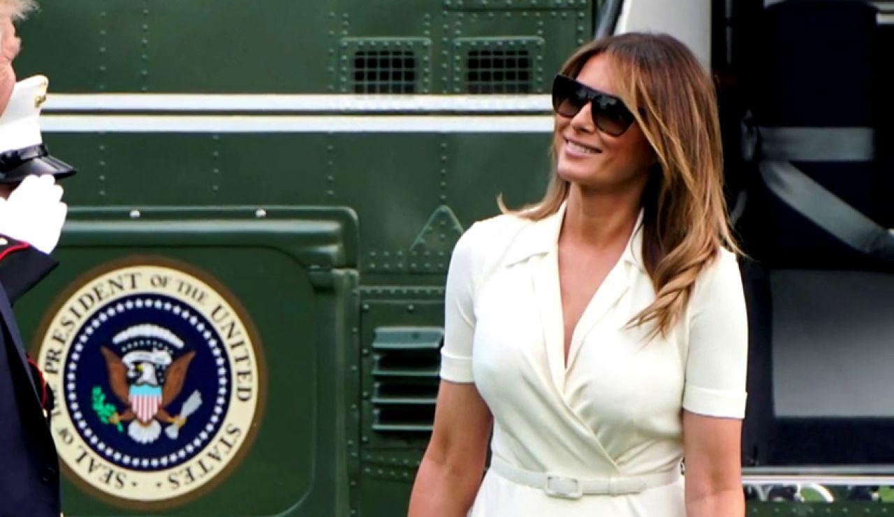Critican a Melania Trump por no llevar sujetador
