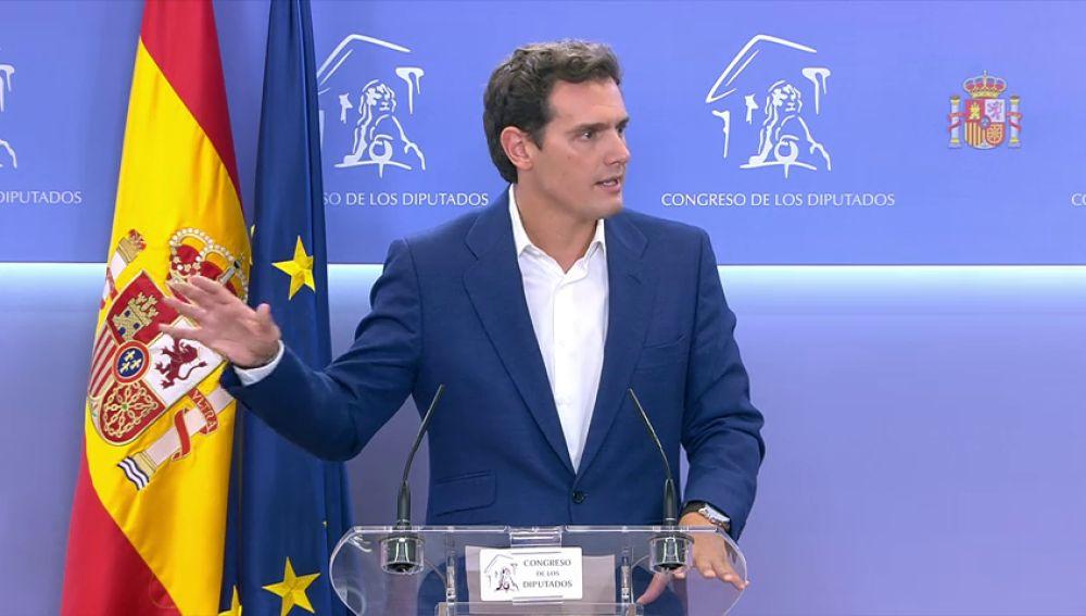 Rivera pide a Vox humildad para desbloquear Madrid y Murcia