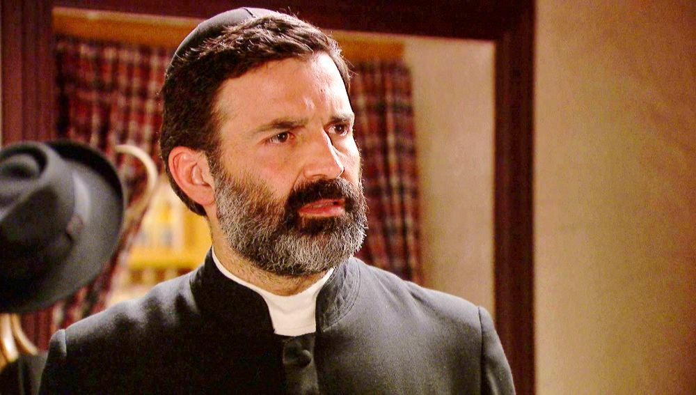 'El secreto de Puente Viejo': Prudencio le cuenta al padre Don Berengario el  gran secreto sobre Lola