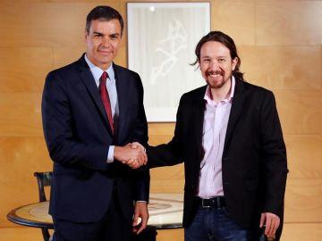 Pedro Sánchez y Pablo Iglesias en una reunión