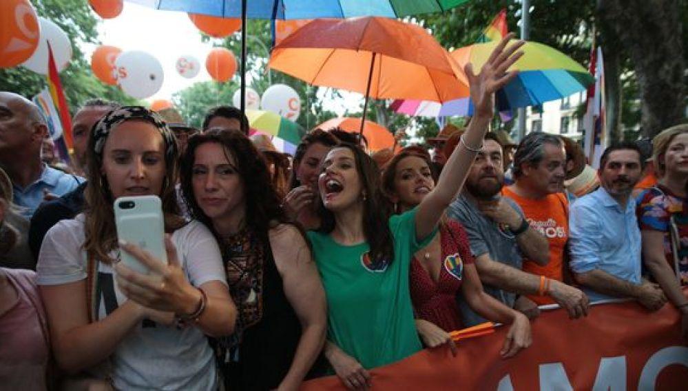 Miembros de Ciudadanos en la manifestación del Orgullo LGTBI