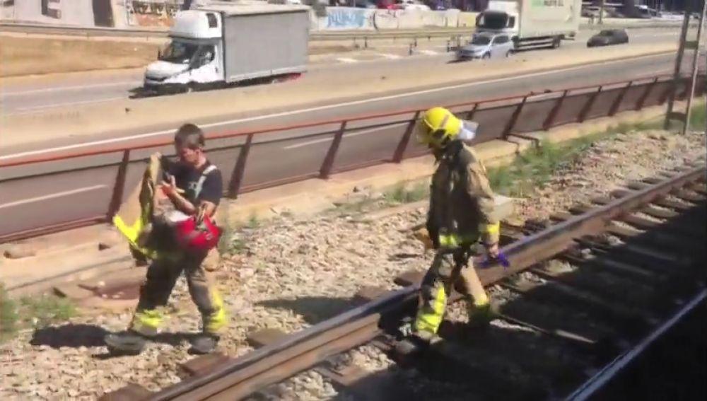 Un joven muere arroyado por un tren al cruzar una vía en patinete, en Mollet del Vallés