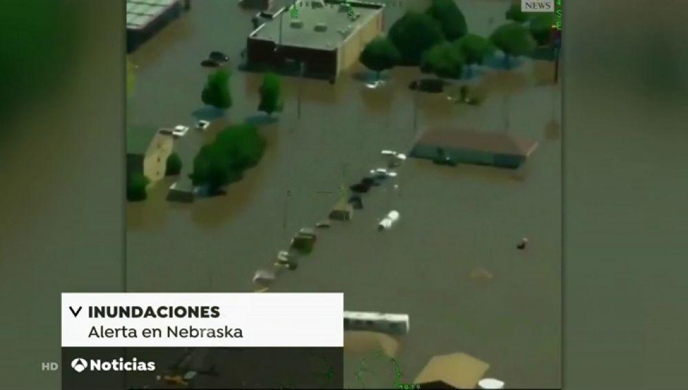 Rescatan a residentes afectados por las inundaciones en Nebraska