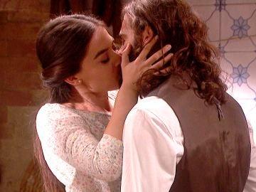 'El secreto de Puente Viejo': Isaac y Elsa  disfrutan de un romántico momento