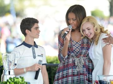 Cameron Boyce y Michelle Obama
