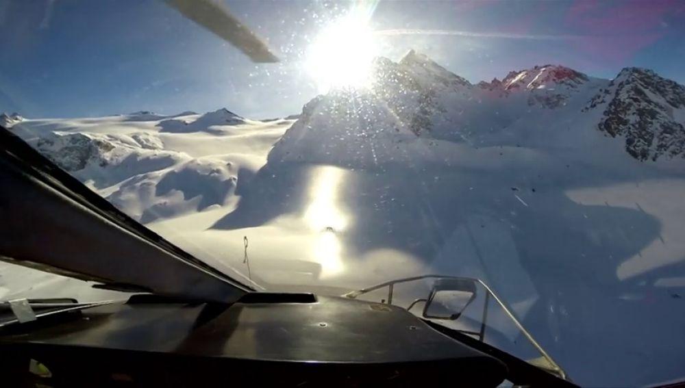 Vídeo del choque entre un helicóptero y una avioneta en vuelo
