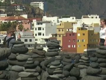 La  Fundación Telesforo Bravo-Juan Coello quiere devolver las piedras del entorno de Playa Jardín