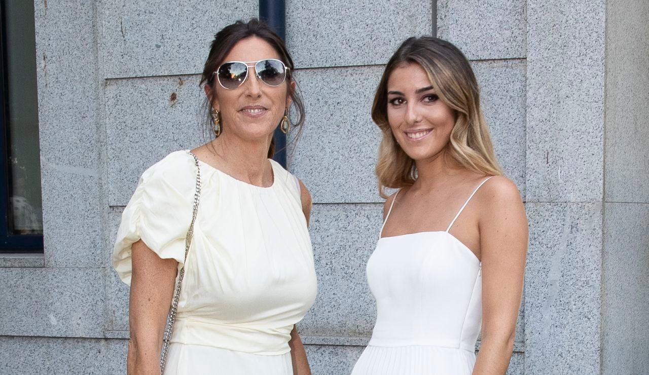 Anna Ferrer, junto a su madre Paz Padilla