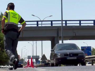 Pillan a un anciano de 88 años conduciendo a 156 kilómetros por hora y con el carnet de conducir restringido