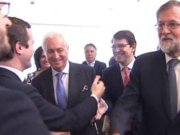 El viejo y el nuevo PP en la toma de posesión del nuevo presidente de Castilla y León
