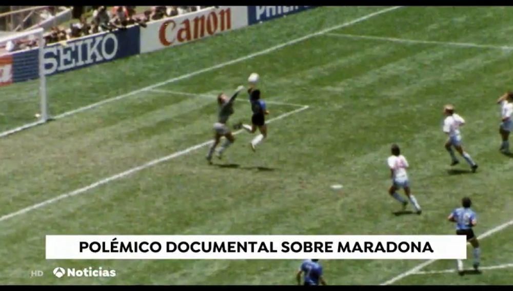 Las imágenes inéditas de la vida de Diego Maradona muestran las luces y sombras del futbolista