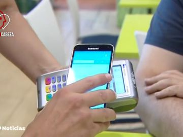 El móvil se ha convertido en una nueva cartera para muchos