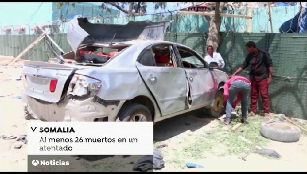 Al menos 26 muertos en un ataque de Al Shabab con coche bomba contra un hotel en Somalia