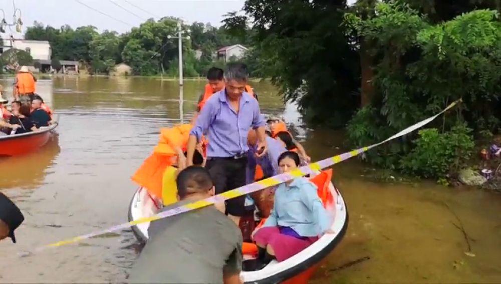 Diez regiones de China en alerta máxima por las inundaciones