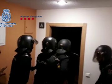 Detenidos dos integrantes de un grupo criminal que robaba mediante el método de alunizaje