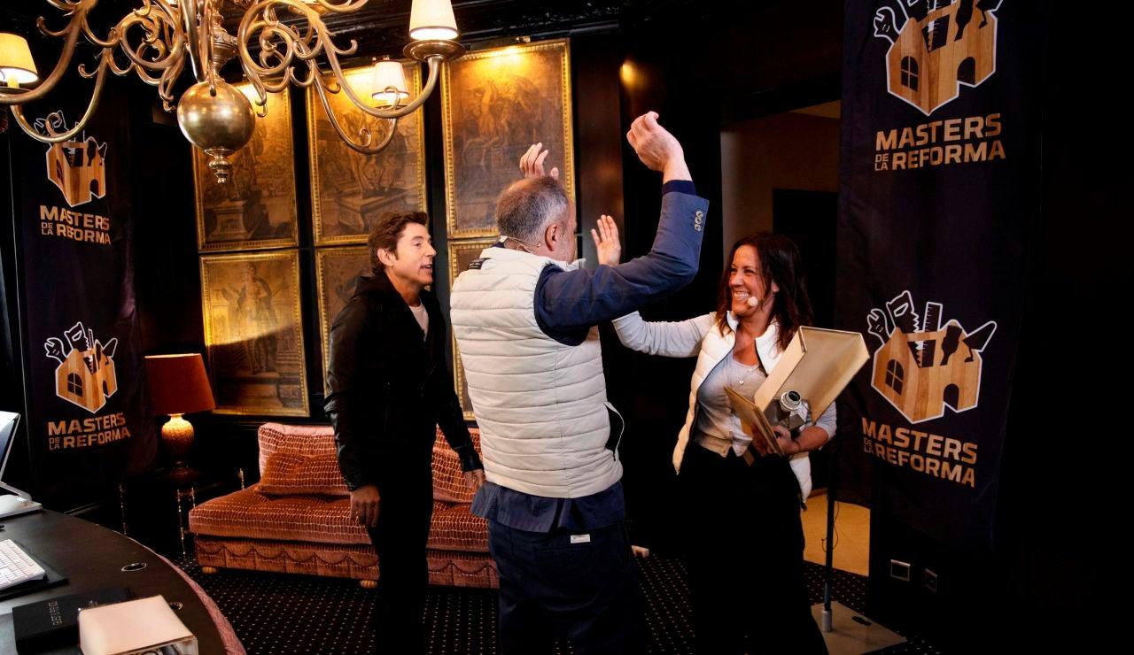 El dominio del francés hace a Iratxe y José ganadores de la yincana por París